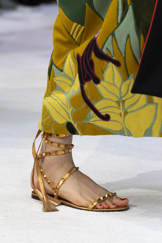 Valentino Valentino Garavani Rockstud metallic leather sandals