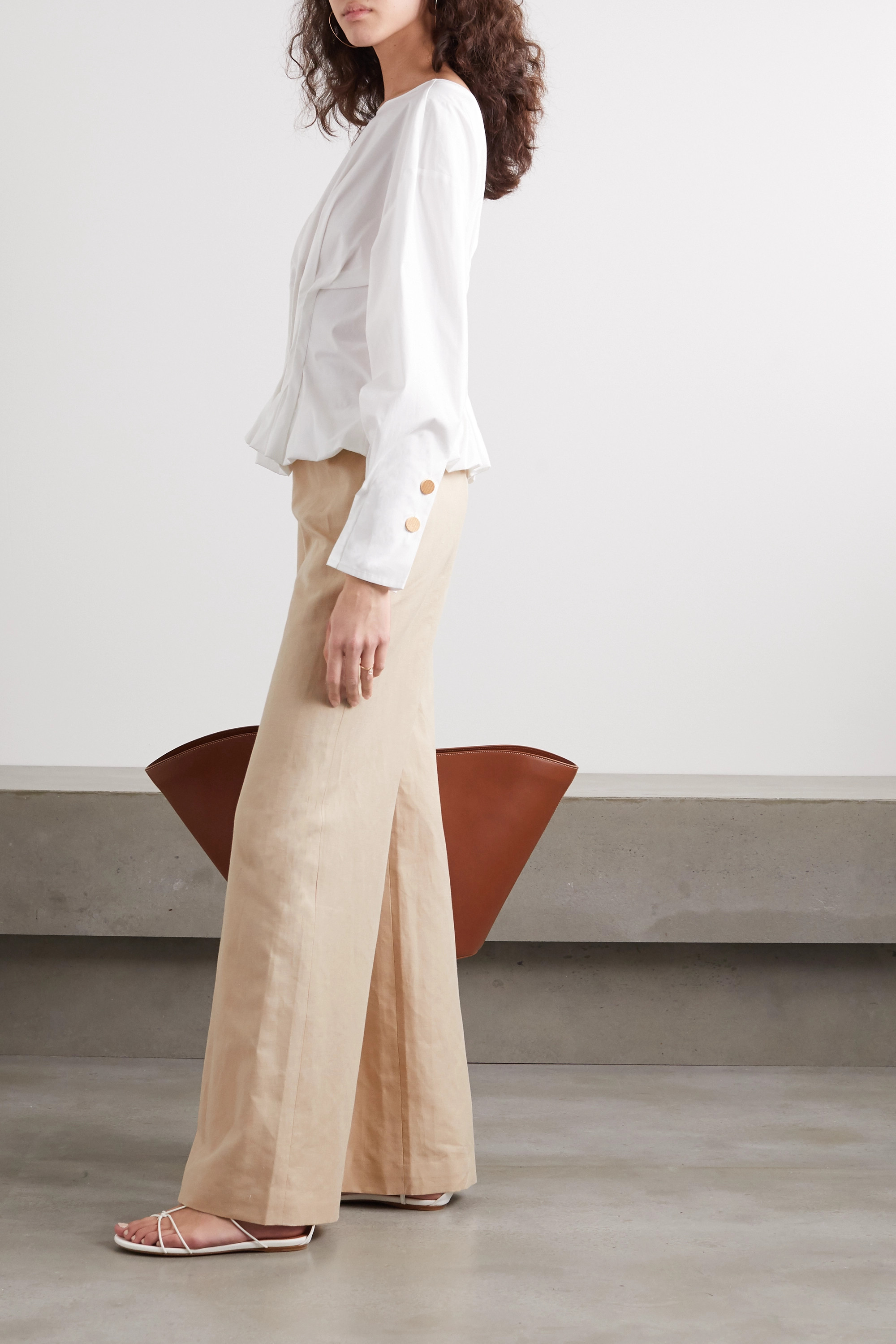 Beige Avto Linen And Cotton Blend Canvas Flared Pants Palmer Harding Net A Porter Express yourself with rich, visual storytelling for your brand with jack harding's expert commercial photography and videography services. net a porter