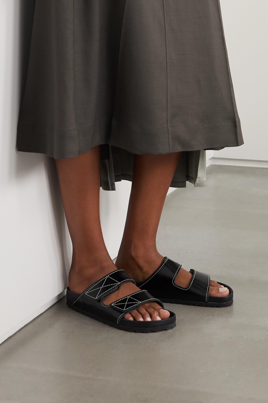 Proenza Schouler + Birkenstock Arizona Pantoletten aus Glanzleder mit Kontrastnähten