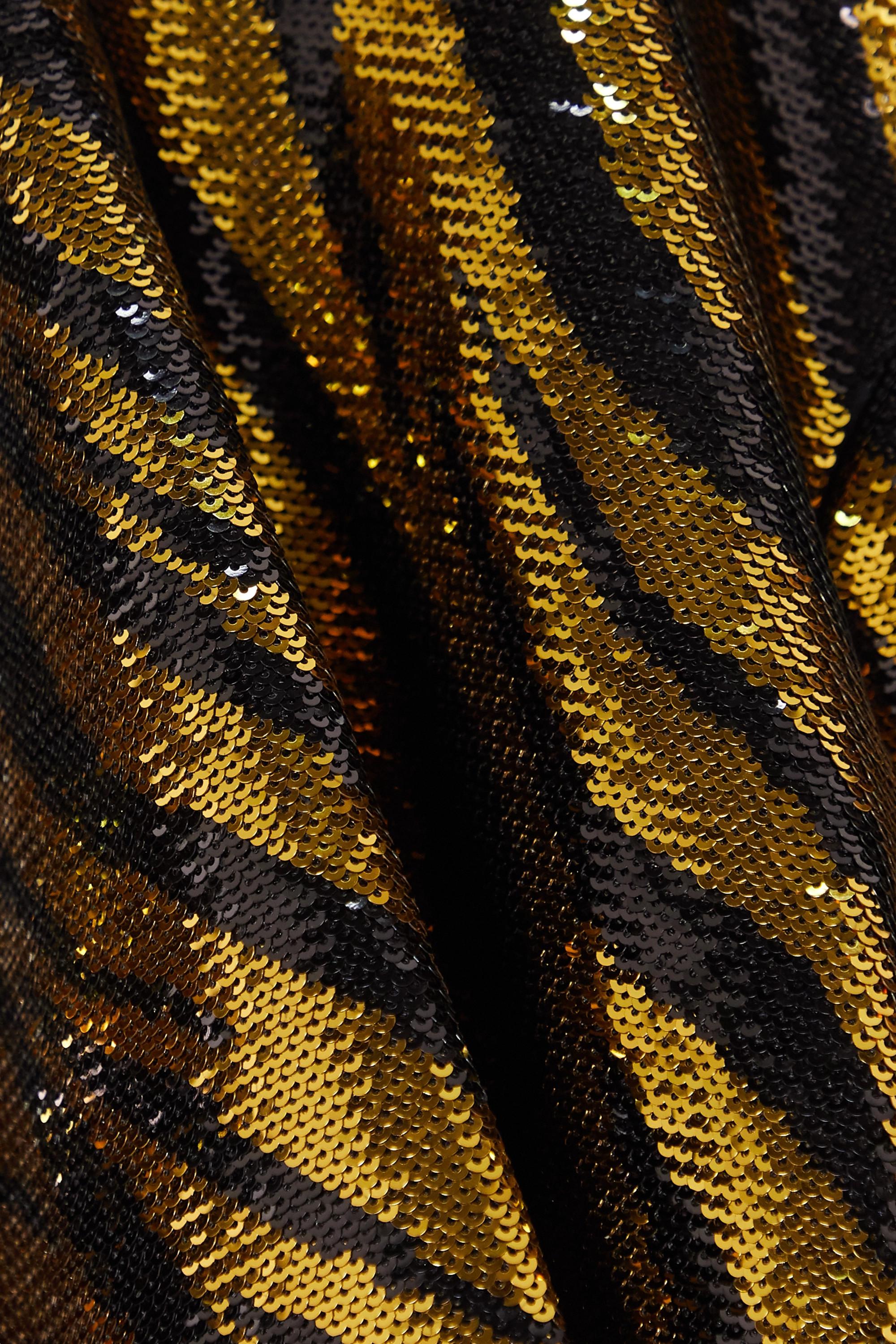 Balenciaga Oberteil aus Tüll mit Stehkragen und Pailletten