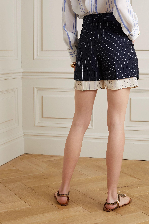 Chloé Mehrlagige Shorts aus Grain de Poudre aus Wolle und Seide mit Nadelstreifen