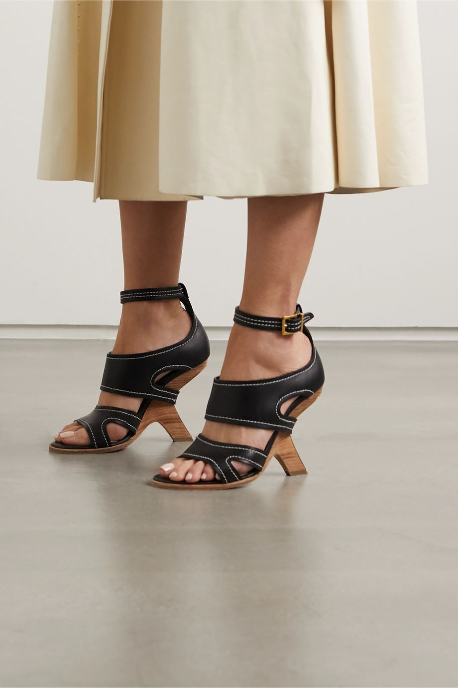Alexander McQueen Topstitched leather sandals