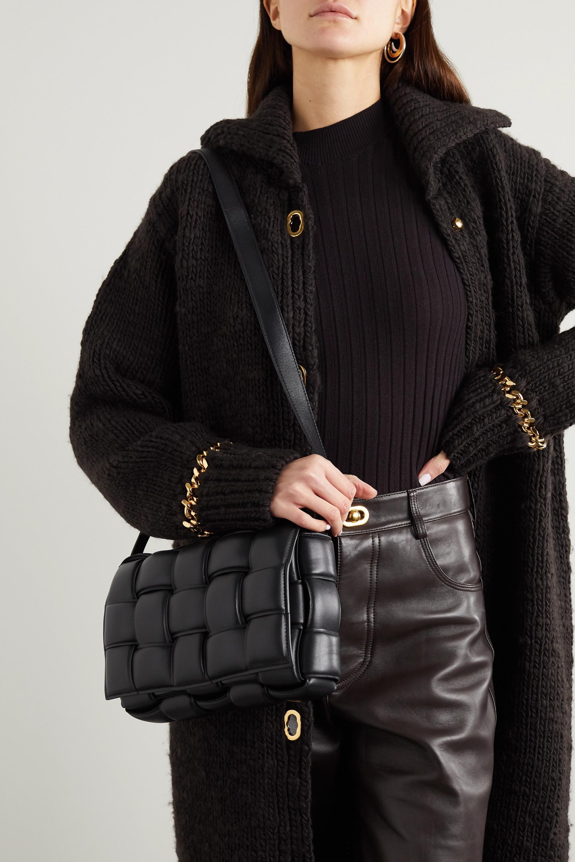Bottega Veneta Cassette 带填充物 Intrecciato 亮面皮革单肩包