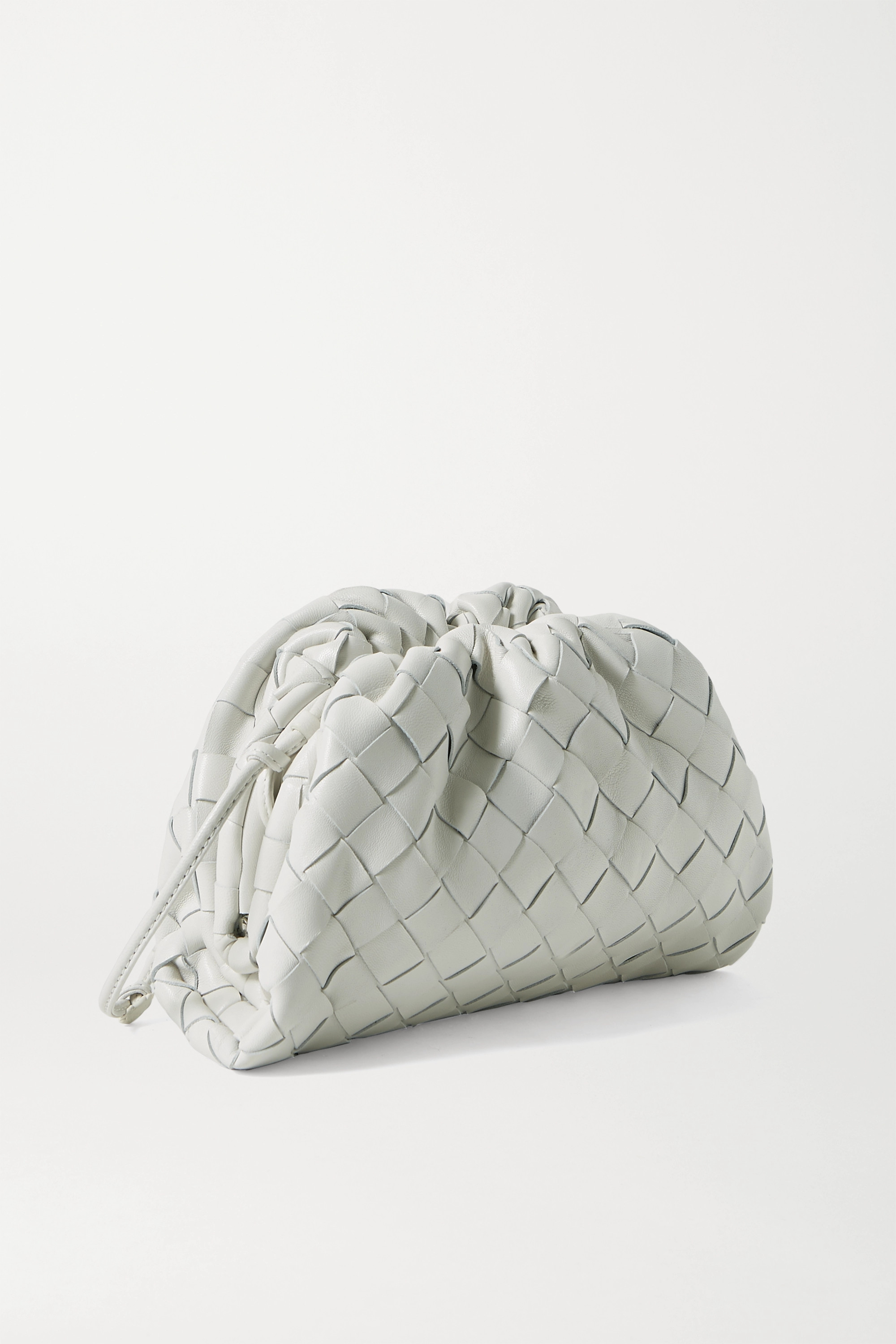Bottega Veneta The Pouch 缩褶 Intrecciato 皮革小号手拿包