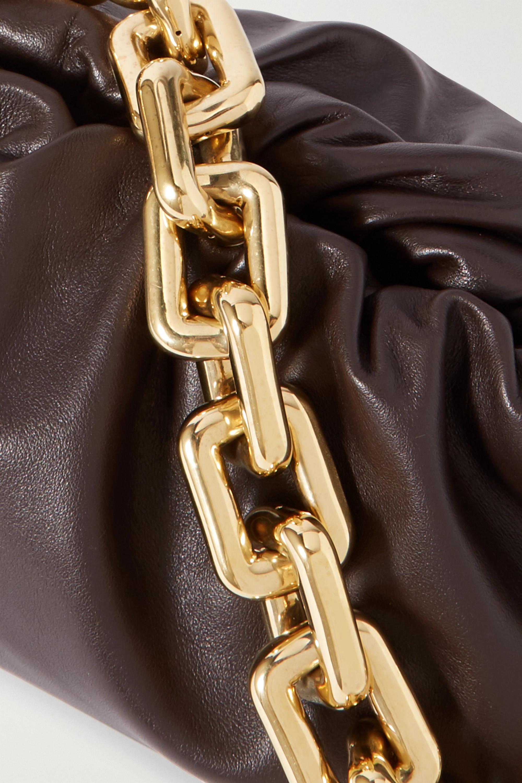 Bottega Veneta Pochette en cuir à chaîne et à fronces The Pouch