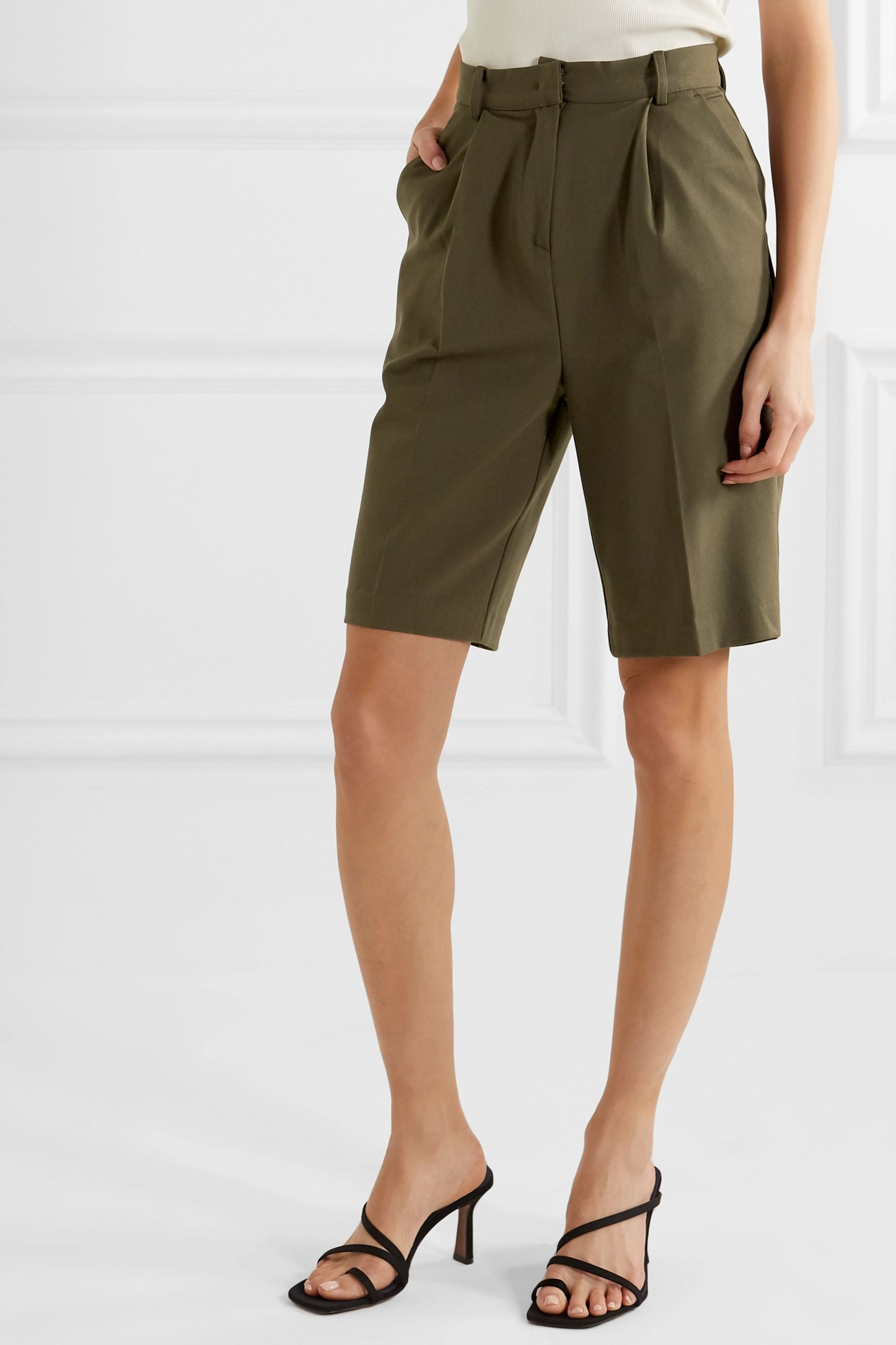 Frankie Shop Julie pleated gabardine shorts
