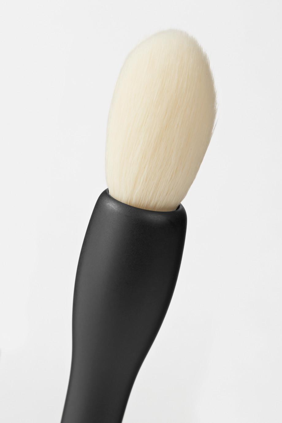 Rae Morris Jishaku 2 Vegan Mini Kabuki Brush