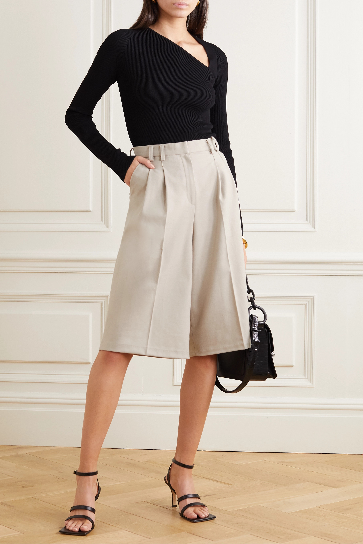 Frankie Shop Suzanne pleated Tencel-blend shorts