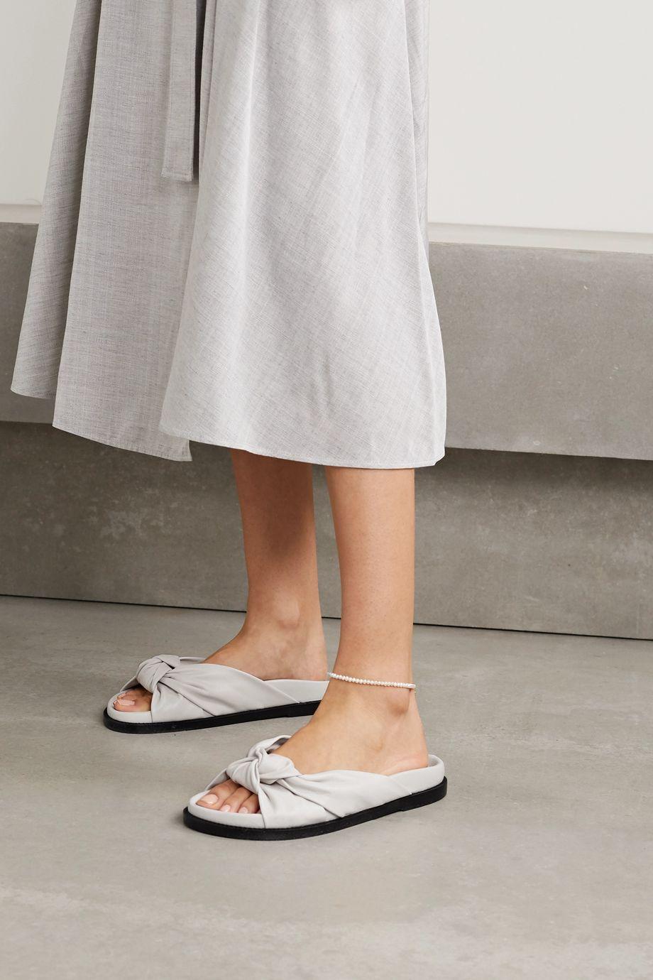Porte & Paire Pantoletten aus Leder mit Knoten