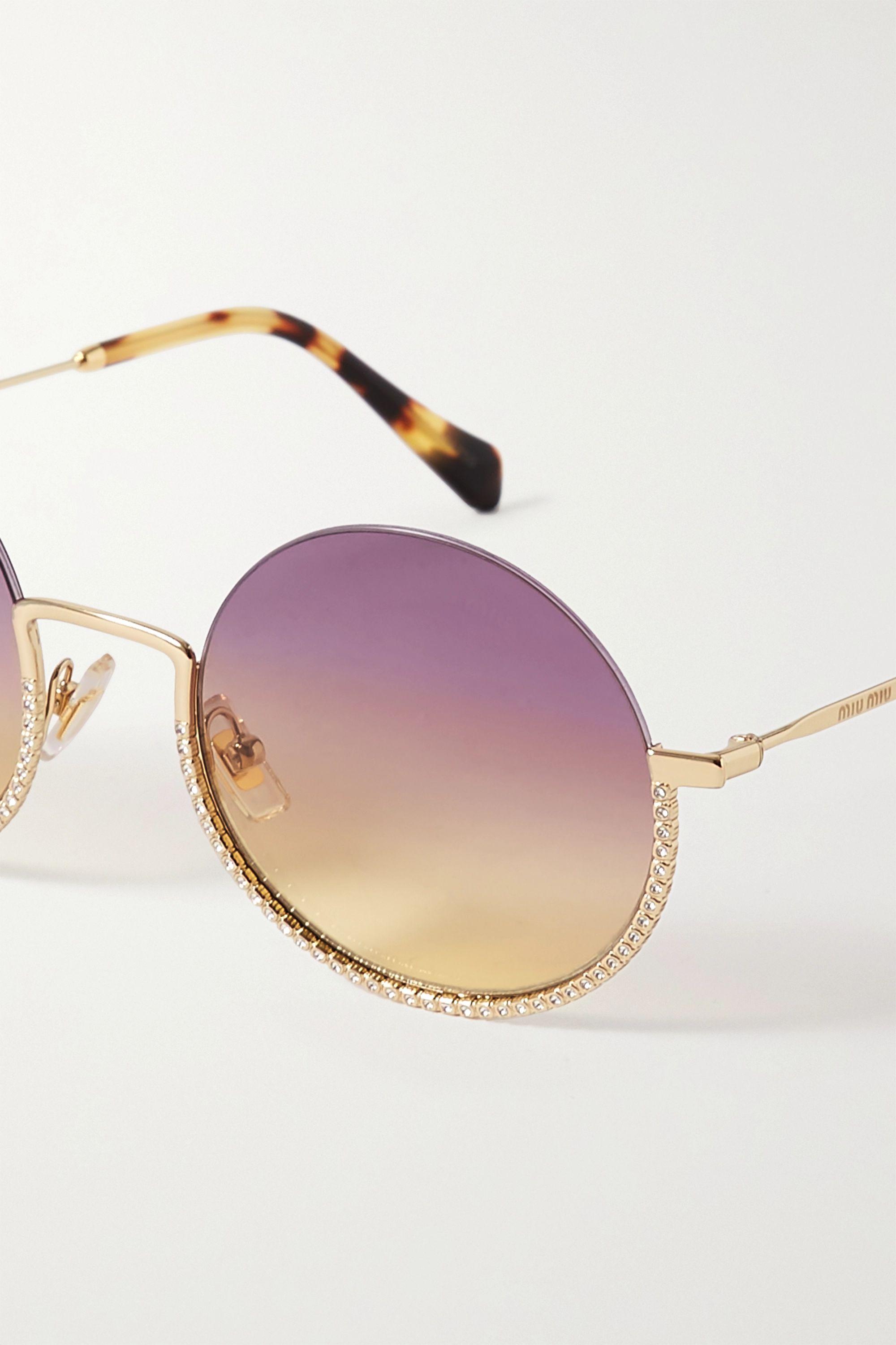 Miu Miu Eyewear Goldfarbene Sonnenbrille mit rundem Rahmen, Kristallen und Details aus Azetat in Hornoptik
