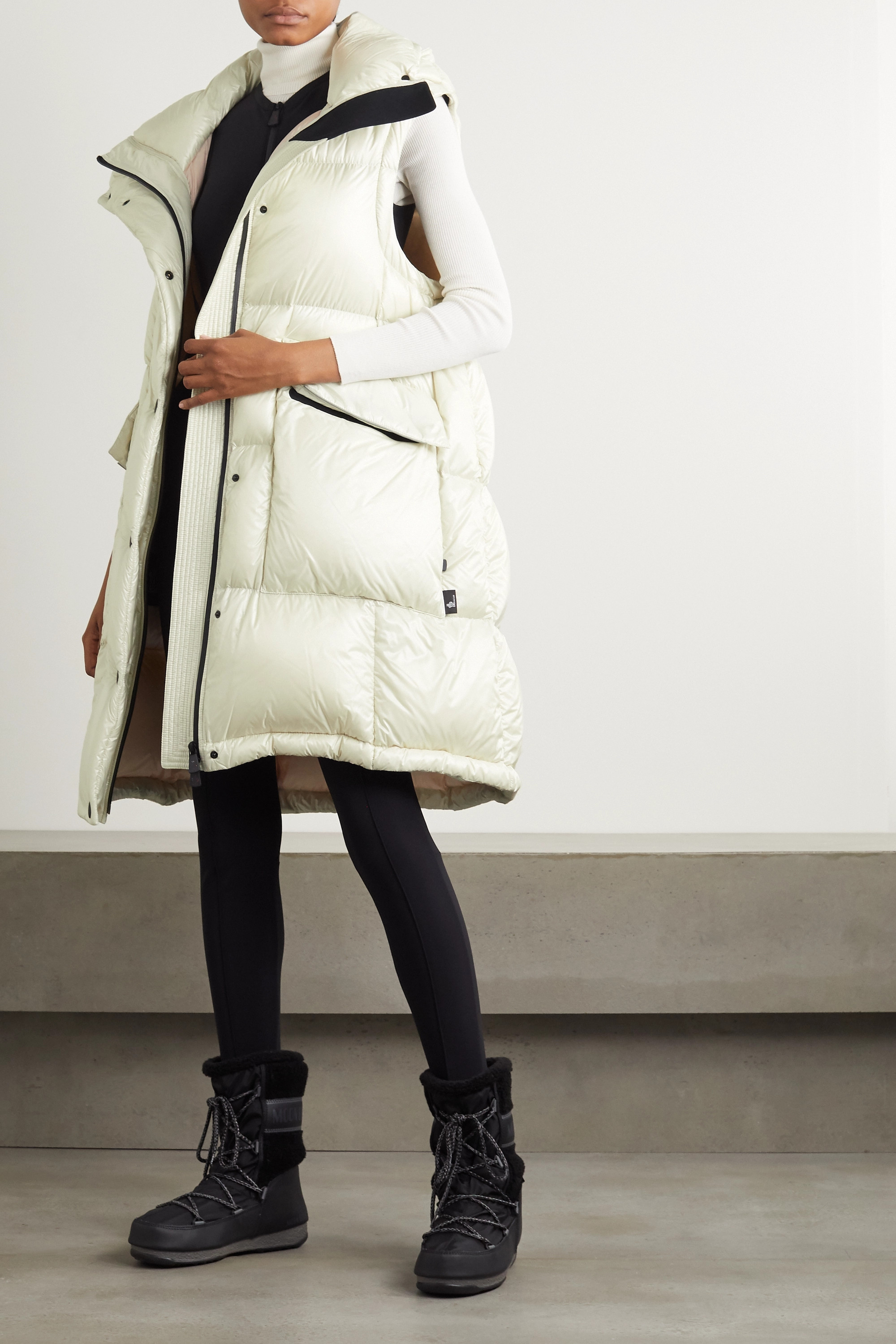 Moncler Grenoble Entreves oversized convertible hooded quilted glossed-shell down coat
