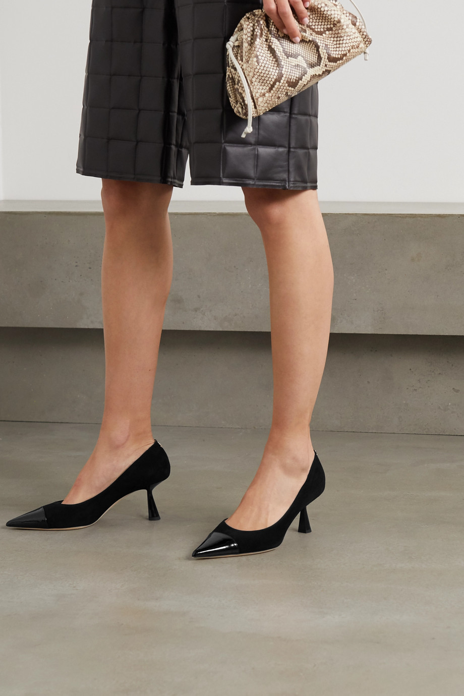 Jimmy Choo Rene 65 Pumps aus Velours- und Lackleder