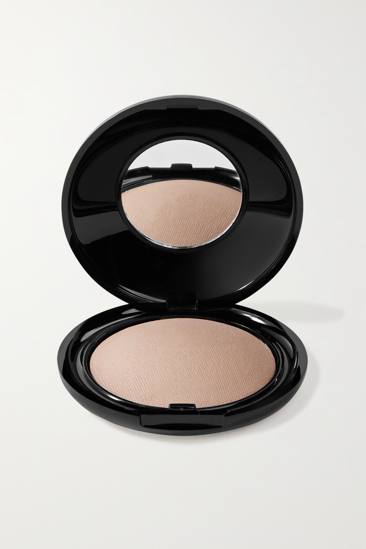 Pat McGrath Labs Skin Fetish: Sublime Perfection Blurring Under-Eye Powder - Medium