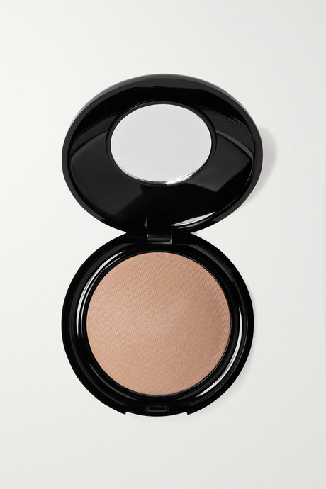Neutral Skin Fetish: Sublime Perfection Blurring Under-Eye Powder - Deep | Pat McGrath Labs IppHIA