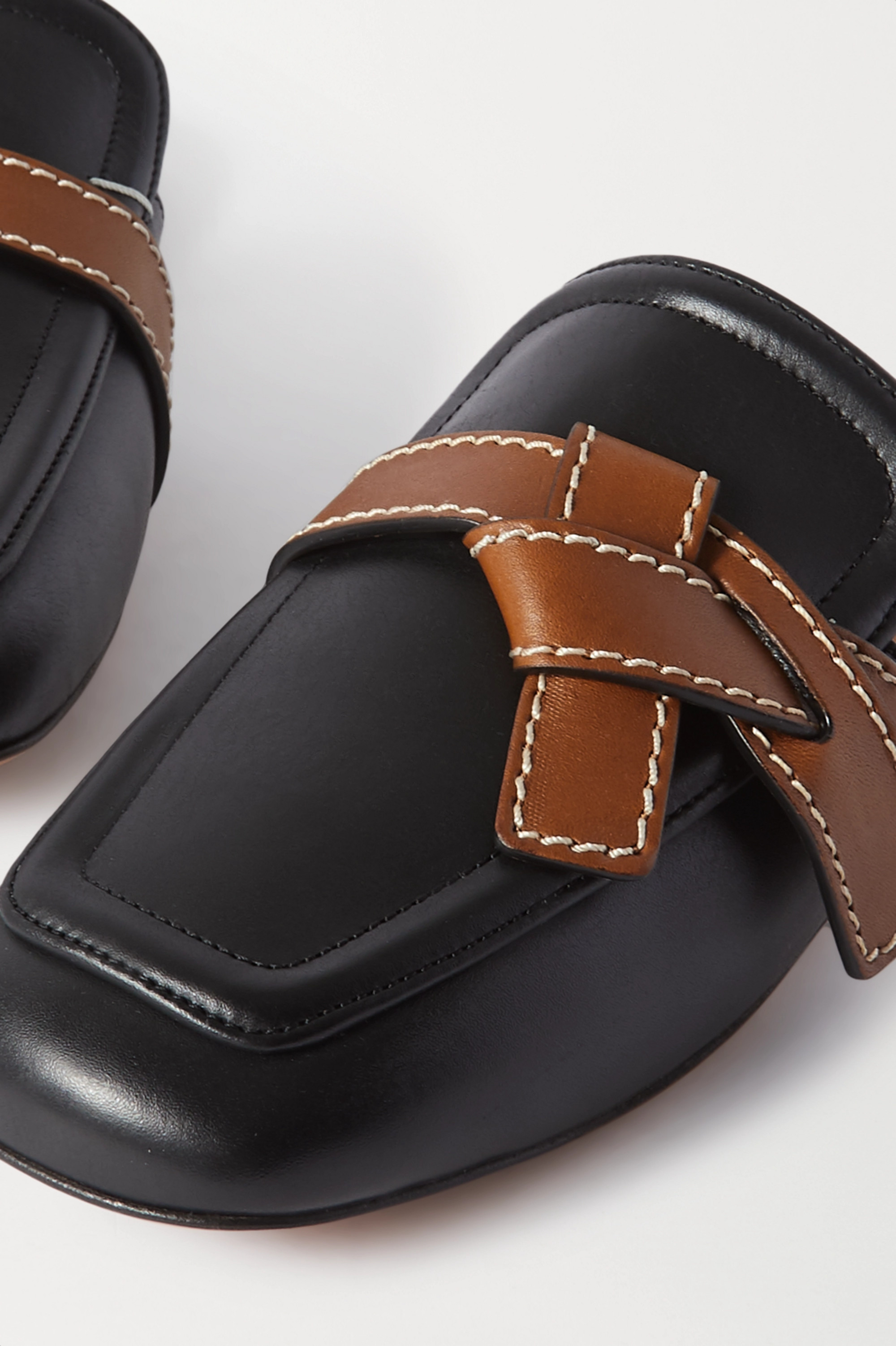 Loewe Mocassins en cuir bicolore à surpiqûres Gate