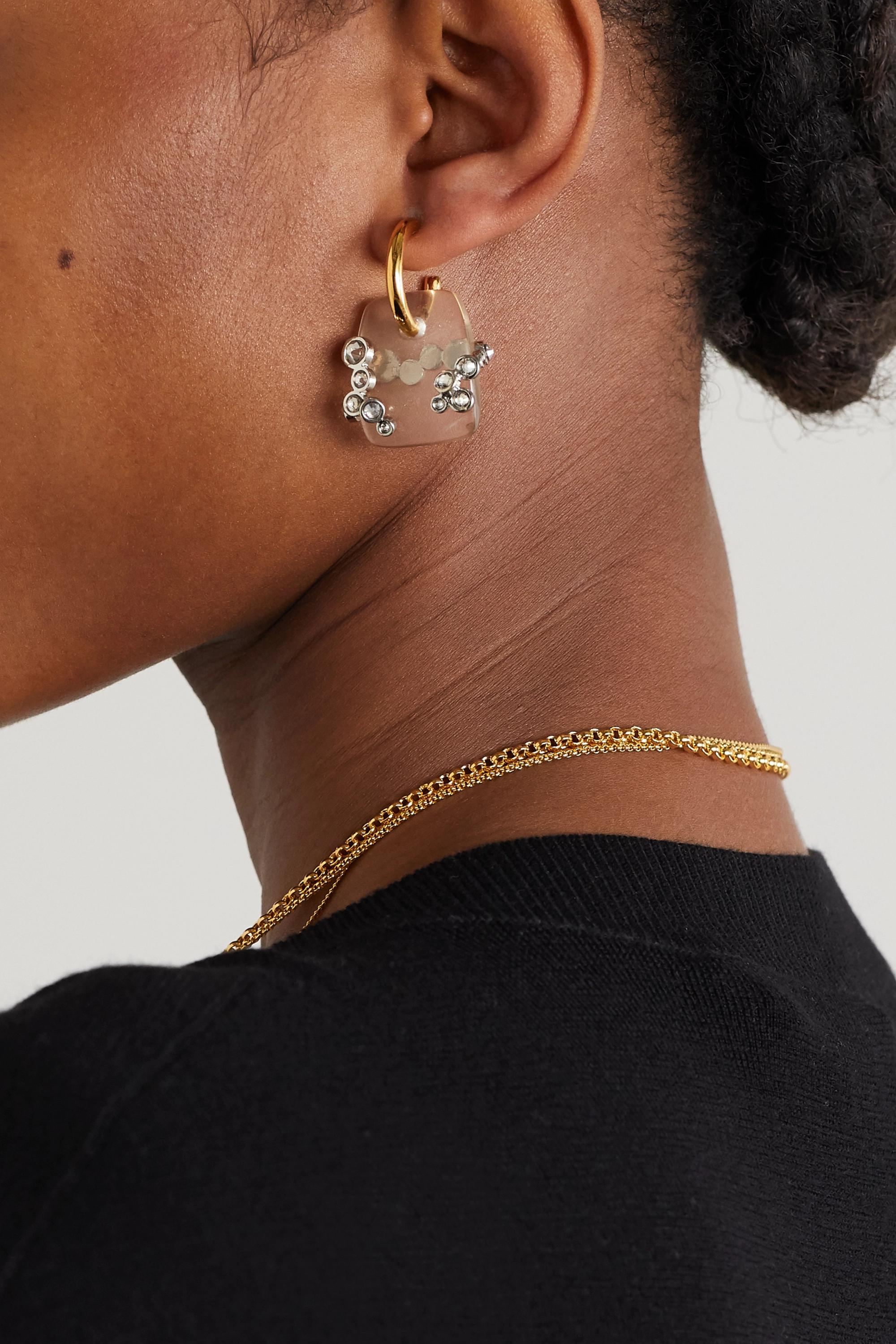 Chloé Goldfarbene Creolen mit Quarzen und Kristallen