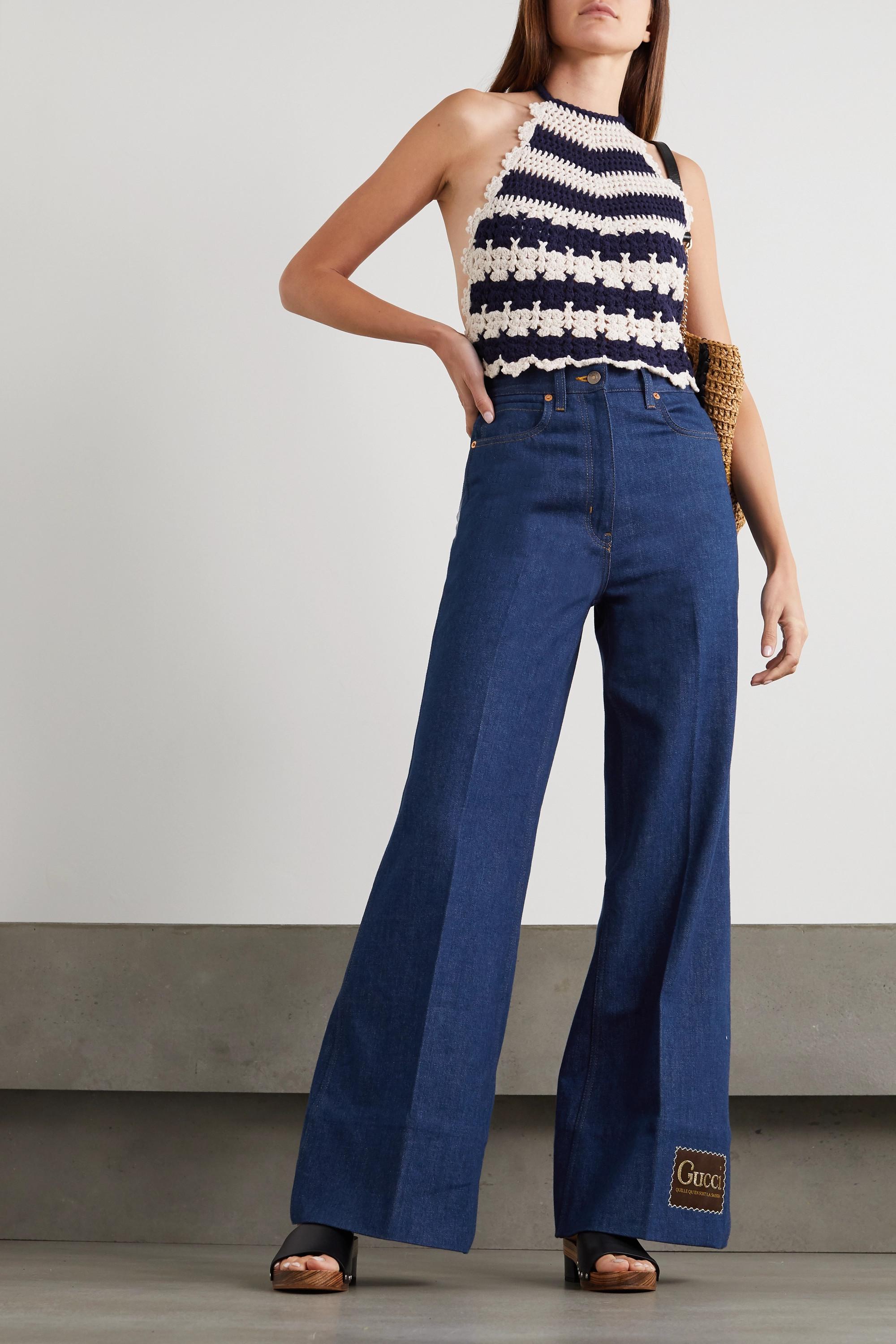 Gucci Rückenfreies Neckholder-Oberteil aus gehäkelter Wolle mit Streifen und Applikation