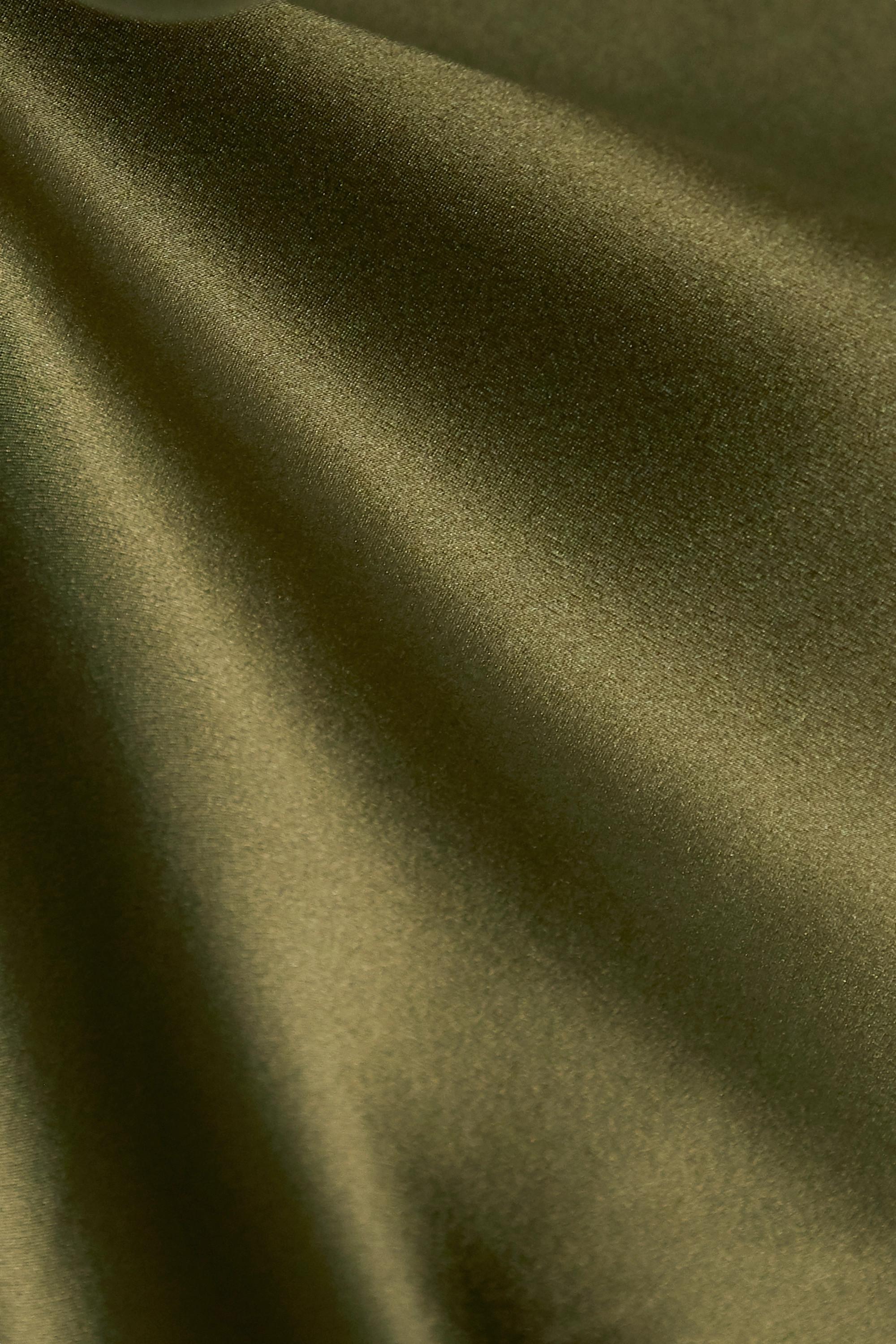 Nili Lotan Robe du soir en satin de soie Cami