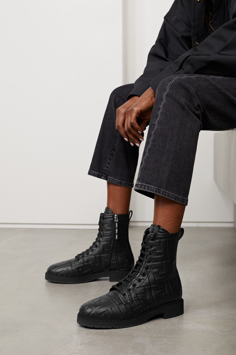 Fendi Bottines en cuir à logo