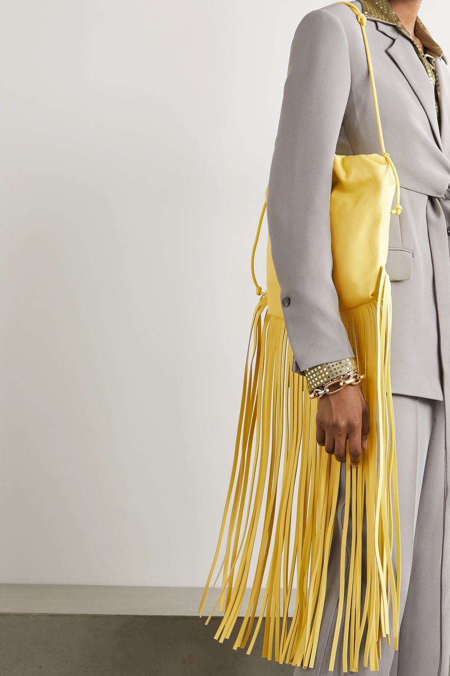 Bottega Veneta Sac porté épaule en cuir à fronces et à franges The Fringe Pouch