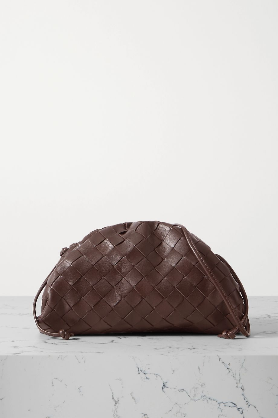 Bottega Veneta Pochette en cuir intrecciato à fronces The Pouch Small