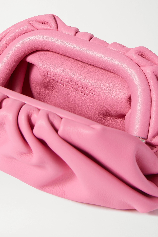 Bottega Veneta The Pouch 缩褶皮革迷你手拿包
