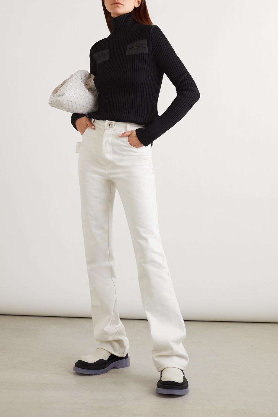 Bottega Veneta Rollkragenpullover aus einer gerippten Wollmischung mit Shell-Einsätzen mit Cut-outs