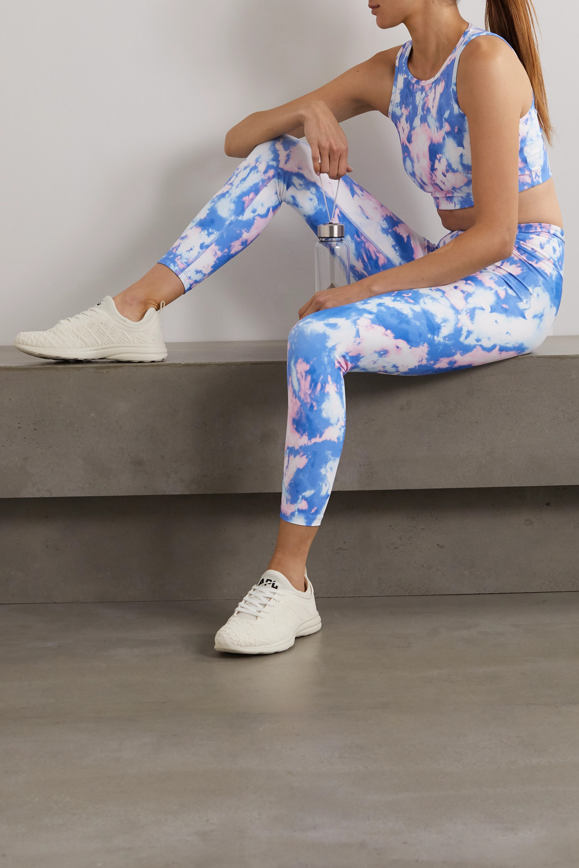 Year of Ours Claudia Sport-BH aus Stretch-Material mit Batikmuster