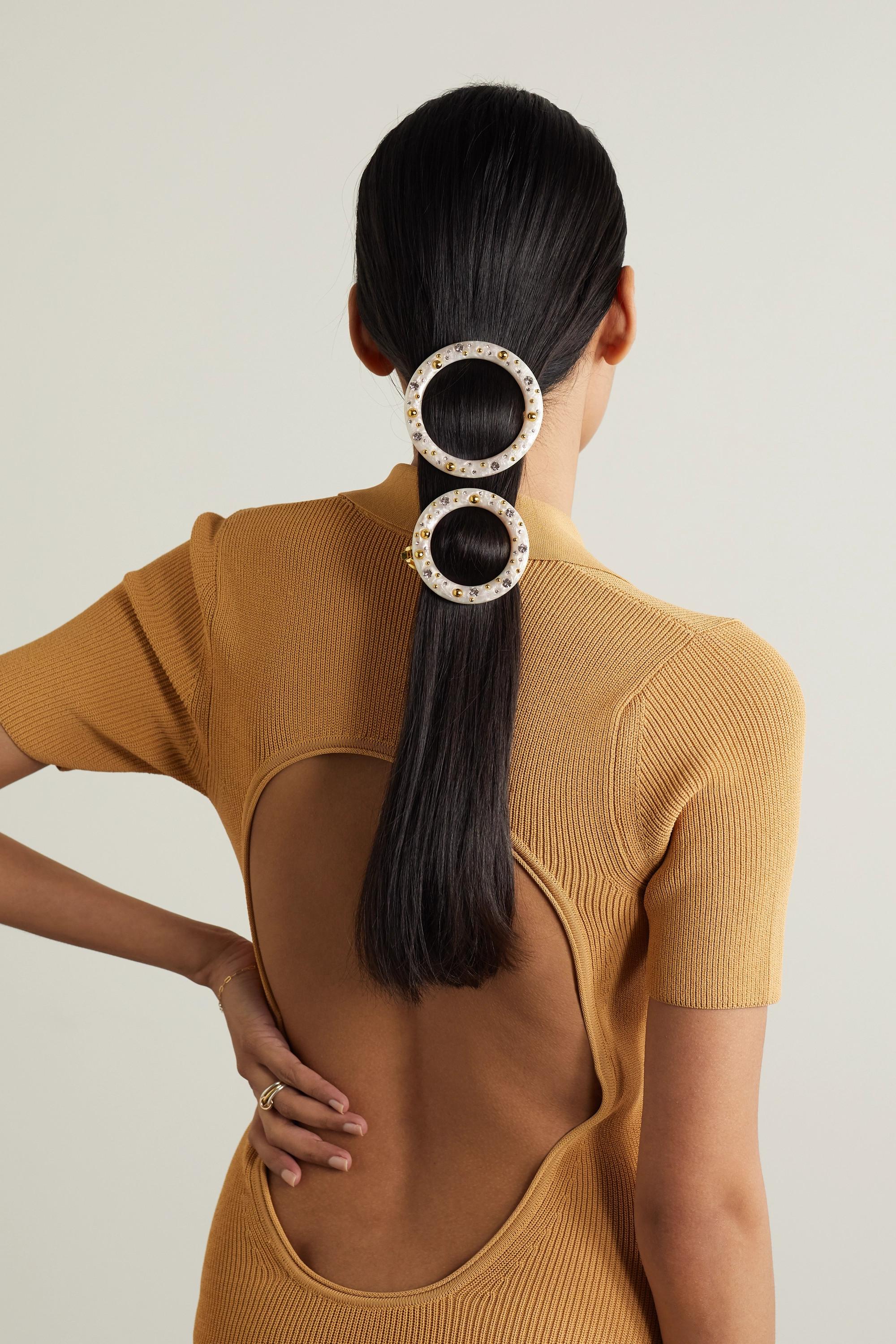 Cult Gaia Ria Set aus zwei Haarspangen aus Acryl mit Verzierungen