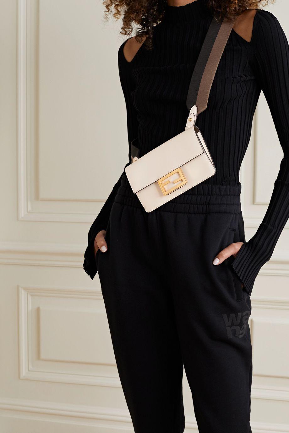 Fendi Baguette Schultertasche aus Leder mit Canvas-Besatz