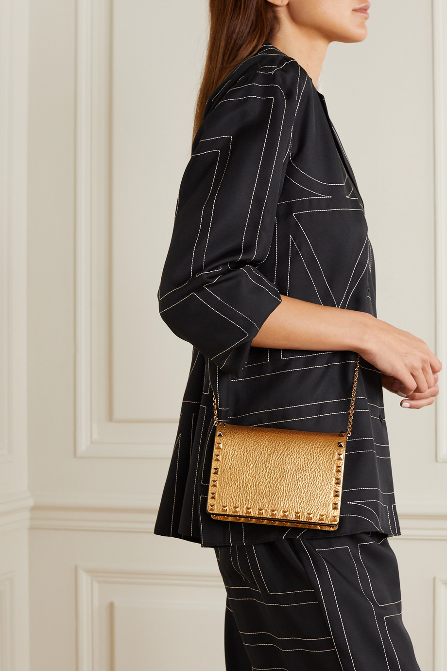 Valentino Valentino Garavani Rockstud metallic textured-leather shoulder bag