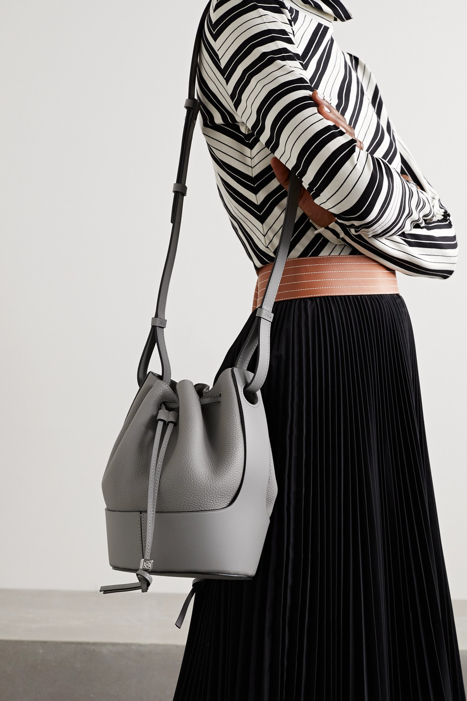 Loewe Balloon small smooth and textured-leather bucket bag
