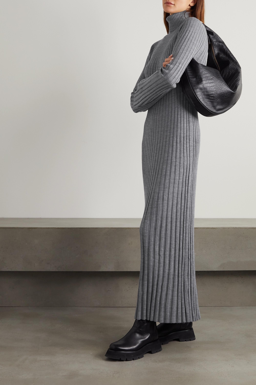 LOULOU STUDIO Maxikleid aus gerippter Wolle mit Rollkragen