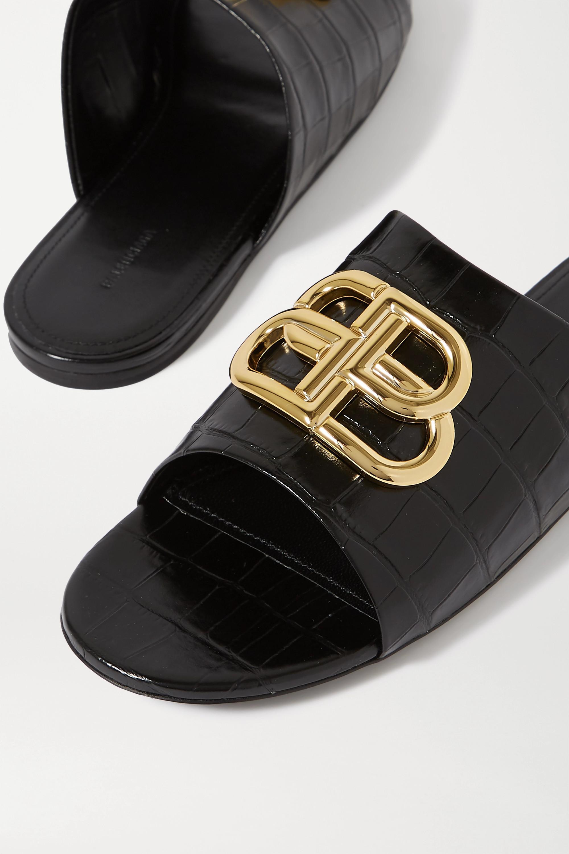 Balenciaga Oval BB Pantoletten aus Leder mit Krokodileffekt und Logoverzierung