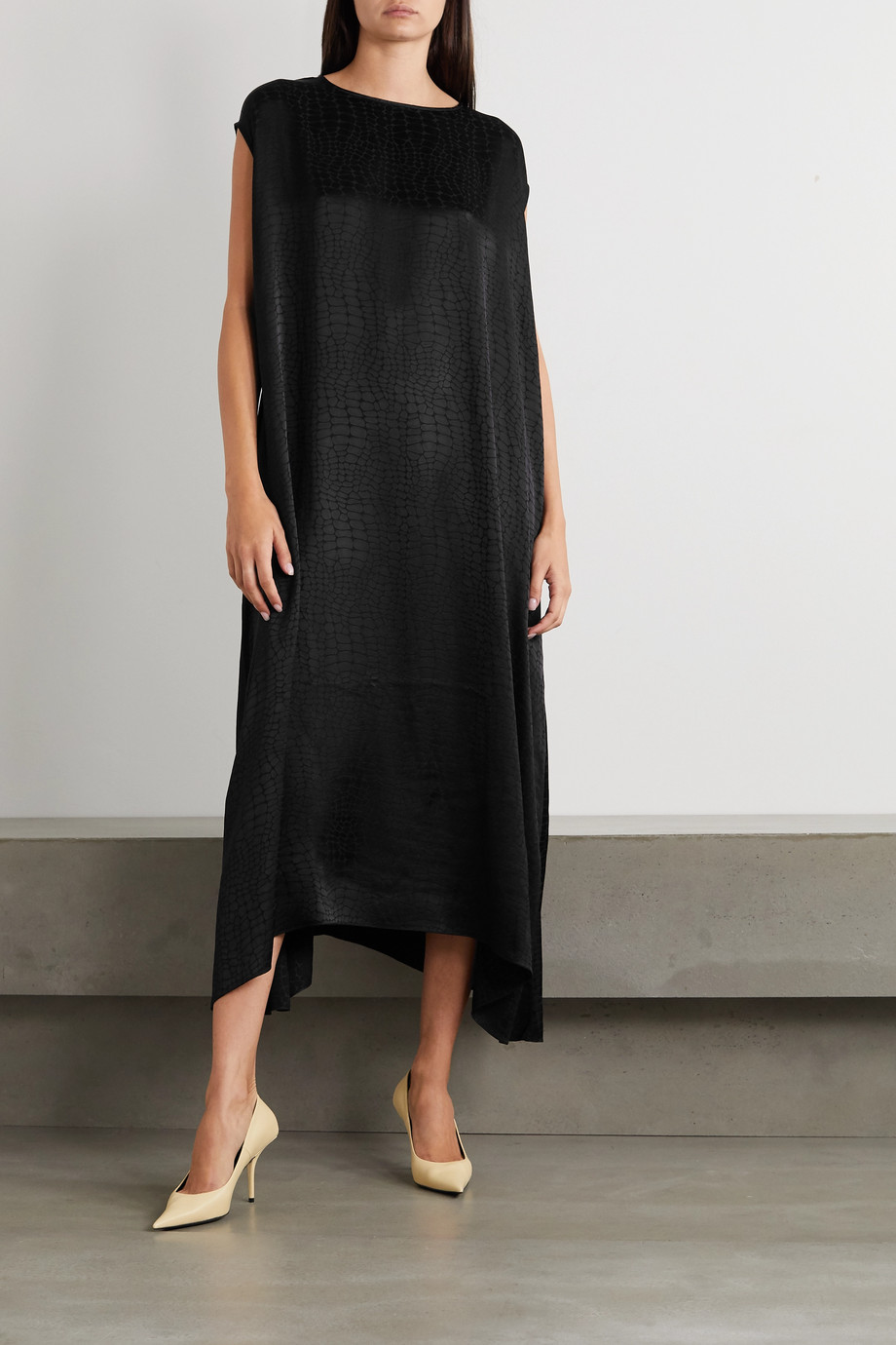 Vetements Asymmetric satin-jacquard dress