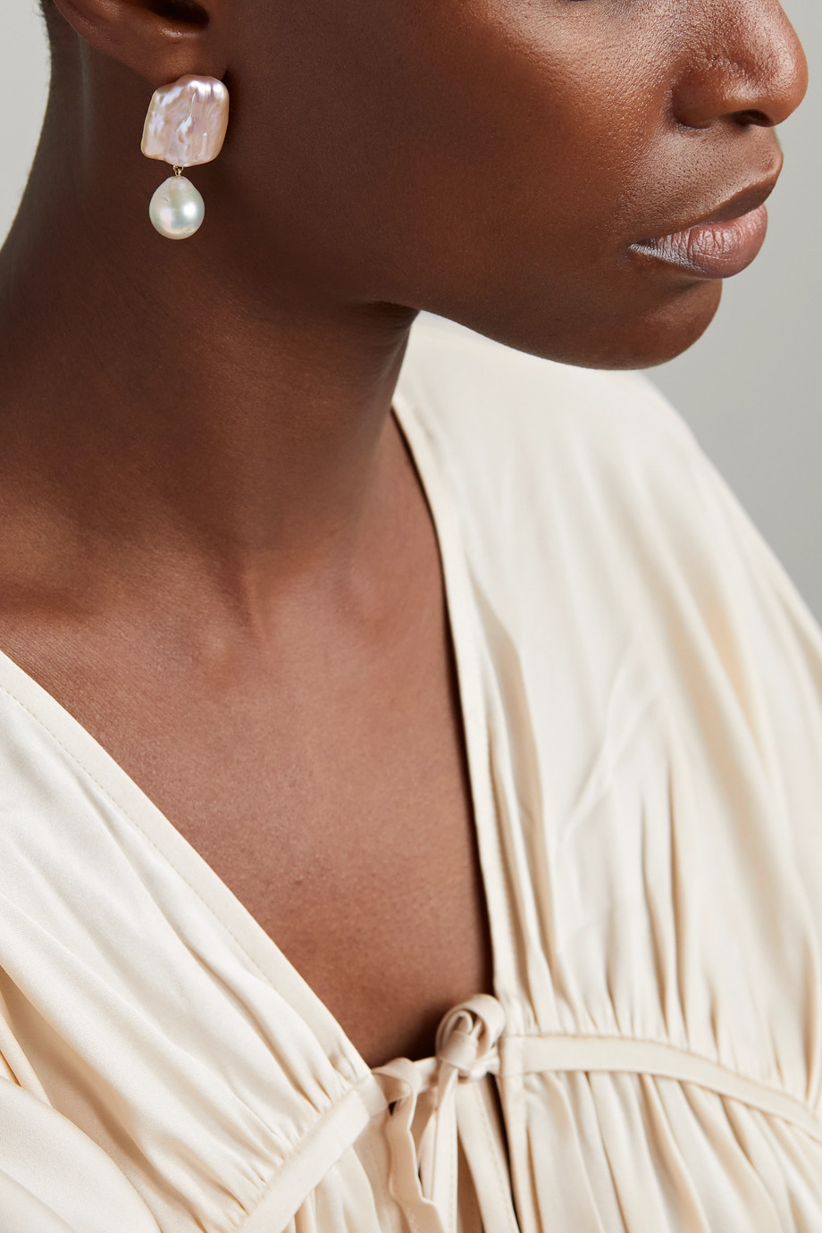 Sophie Bille Brahe Piet 14-karat gold pearl earring