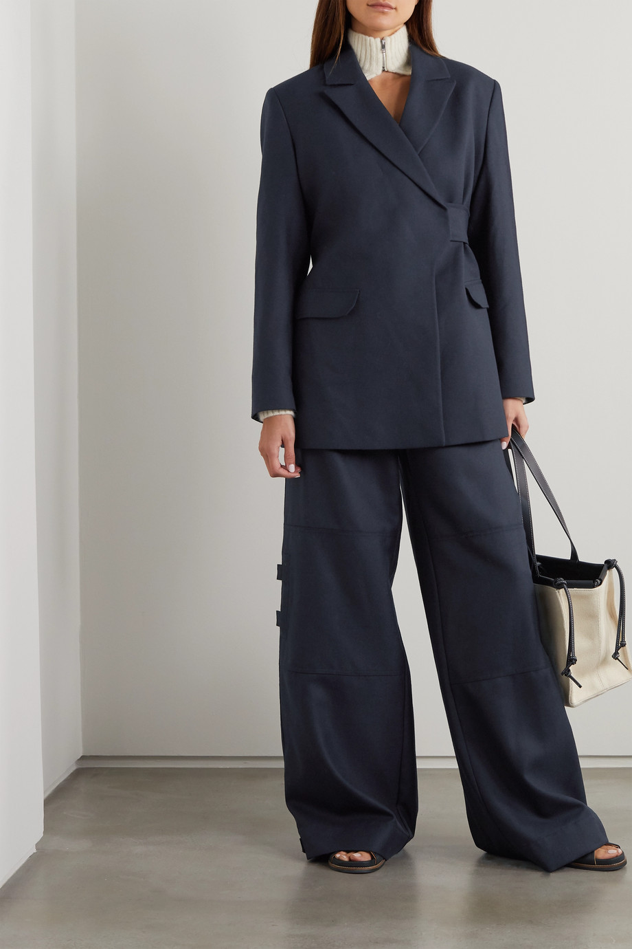GANNI Wickel-Blazer aus einer Wollmischung mit Gürtel
