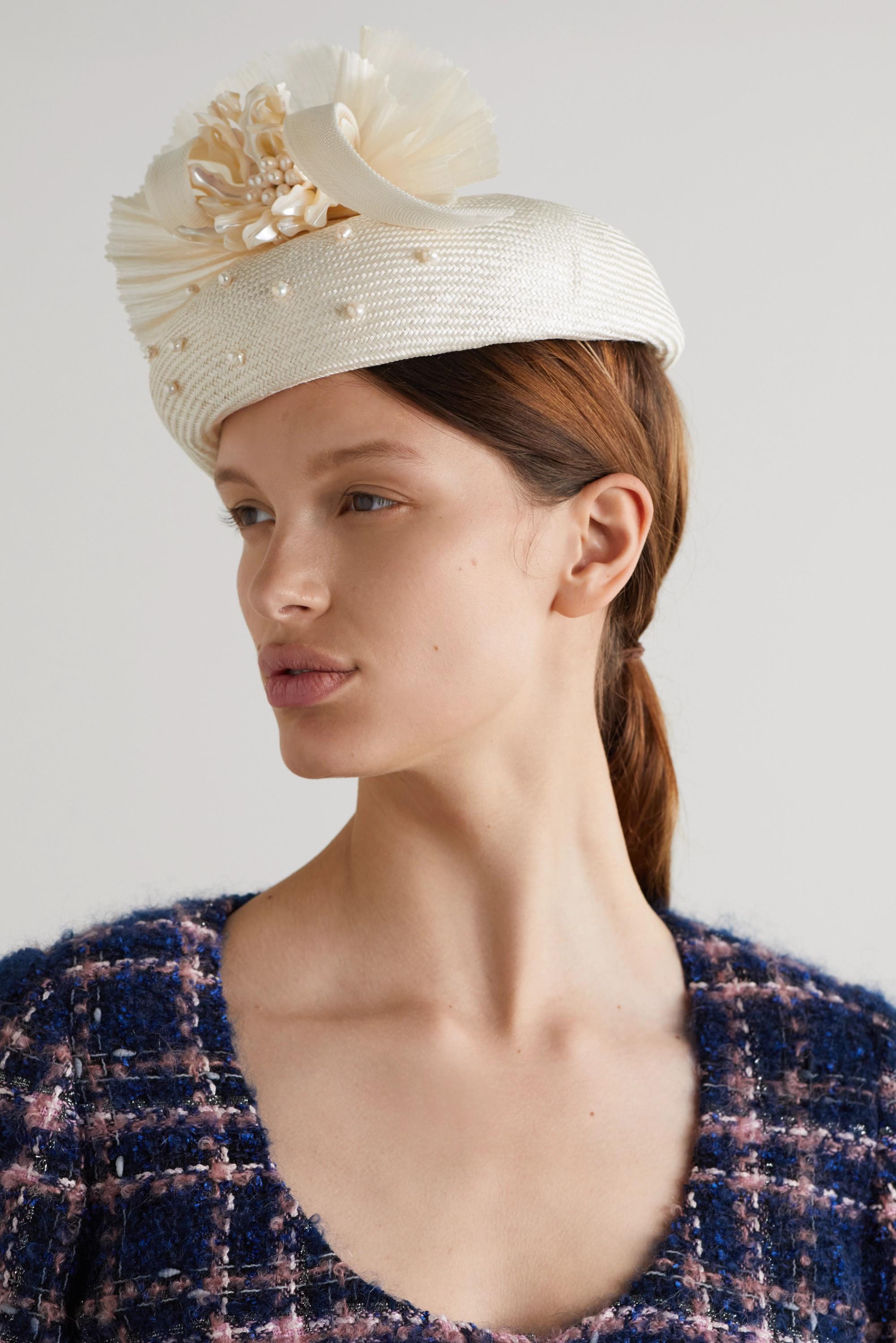 Merve Bayindir Anne Hut aus einer Seiden-Abakamischung mit Perlen
