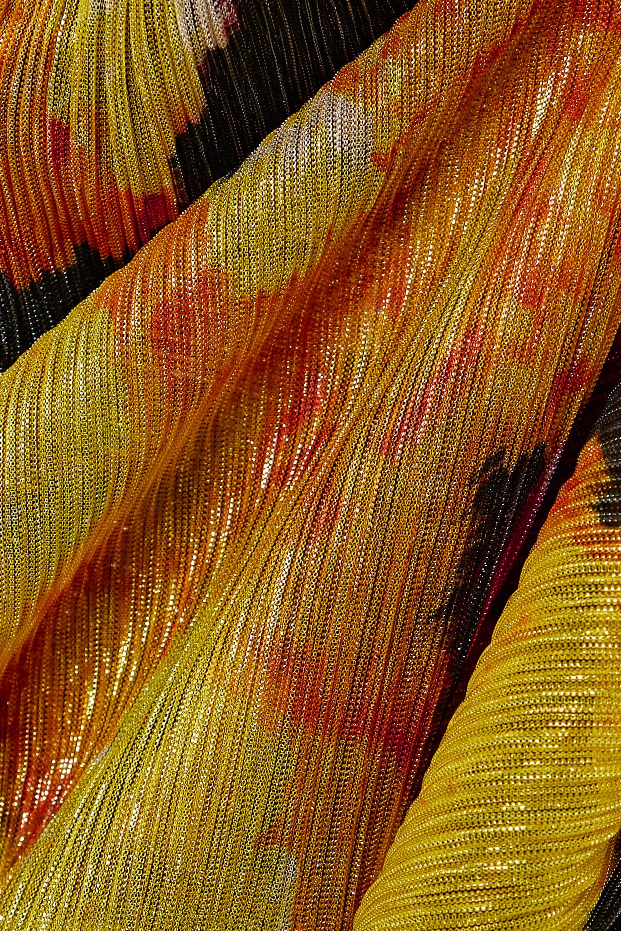 Rebecca Vallance Astoria Maxikleid aus bedrucktem Metallic-Strick