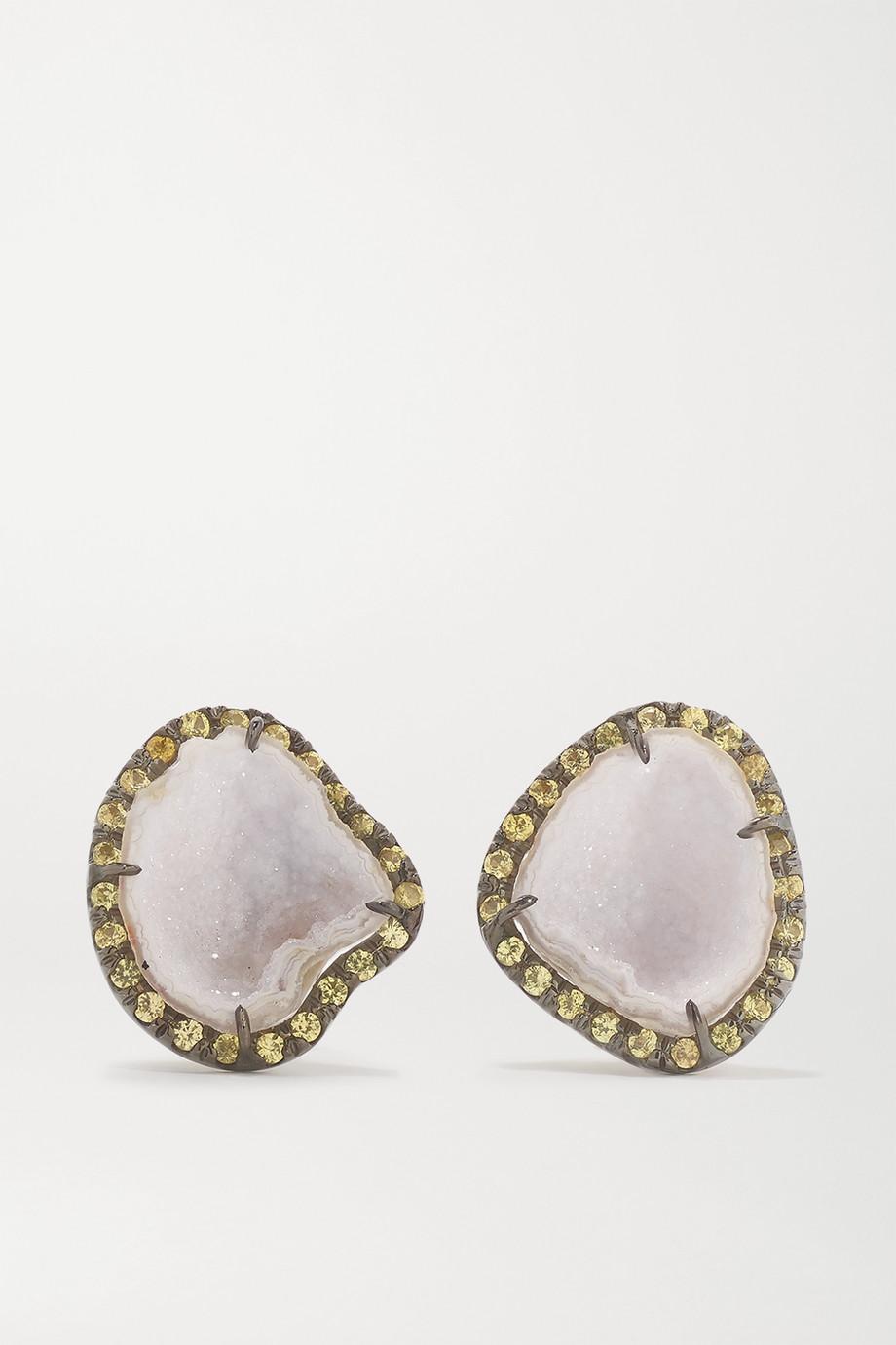 Kimberly McDonald Boucles d'oreilles en or blanc 18 carats noirci, géodes et saphirs