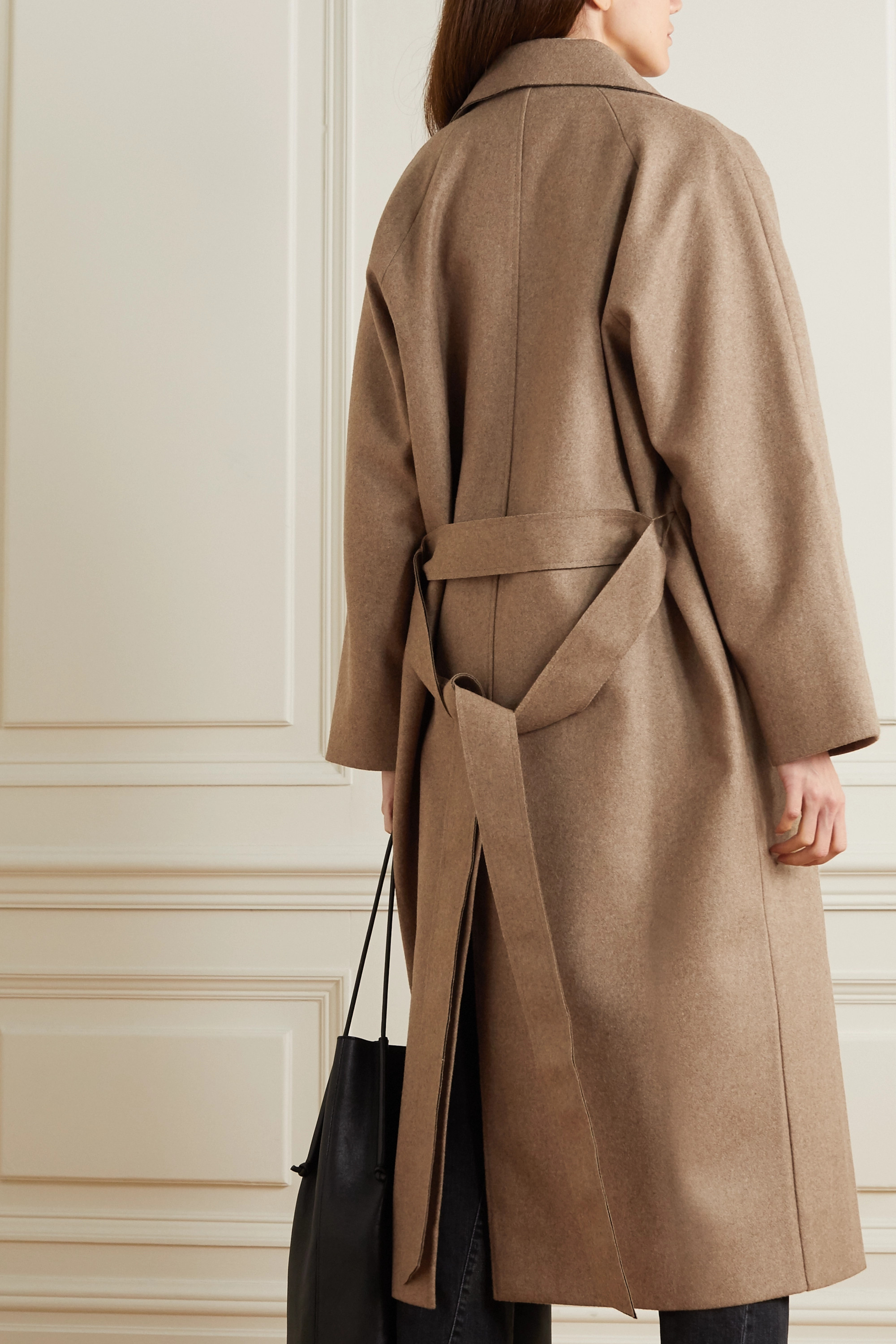 Totême Manteau oversize en laine mélangée à ceinture Terlago
