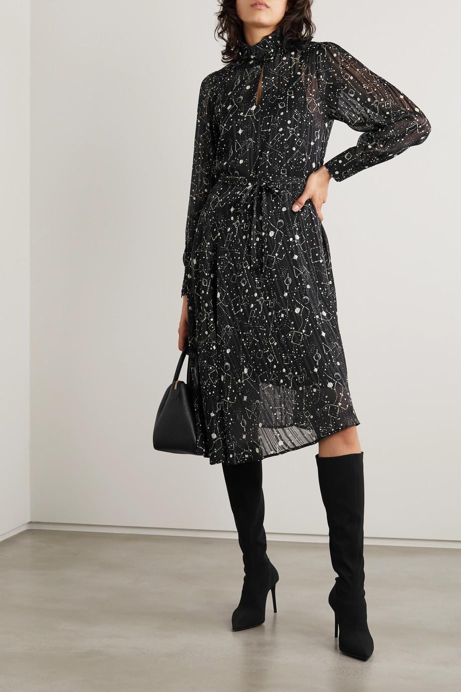 Officine Générale Solange asymmetrisches Kleid aus plissiertem Metallic-Chiffon mit Print
