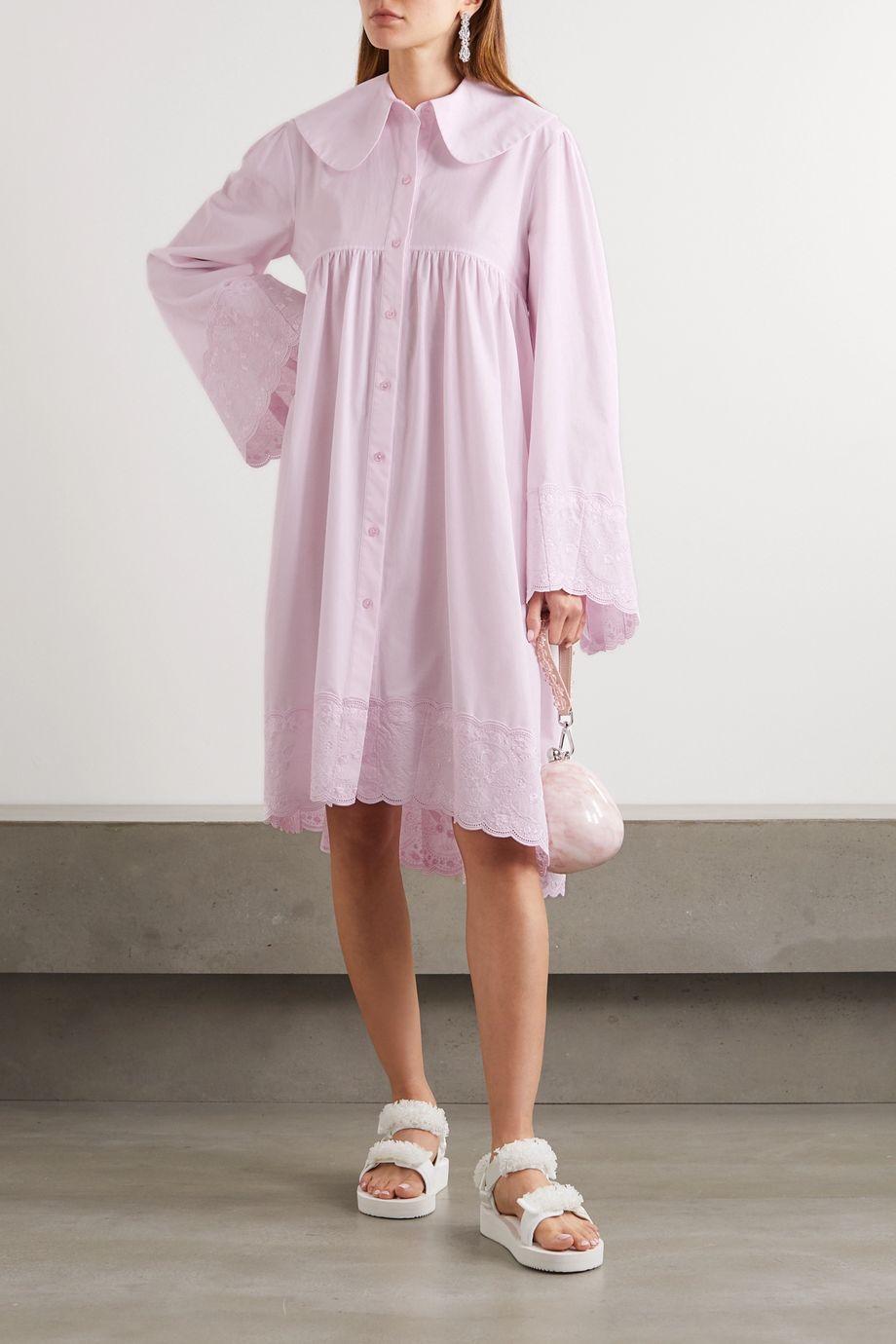 Simone Rocha Hemdblusenkleid aus Baumwollpopeline mit Wellenkanten und Stickereien