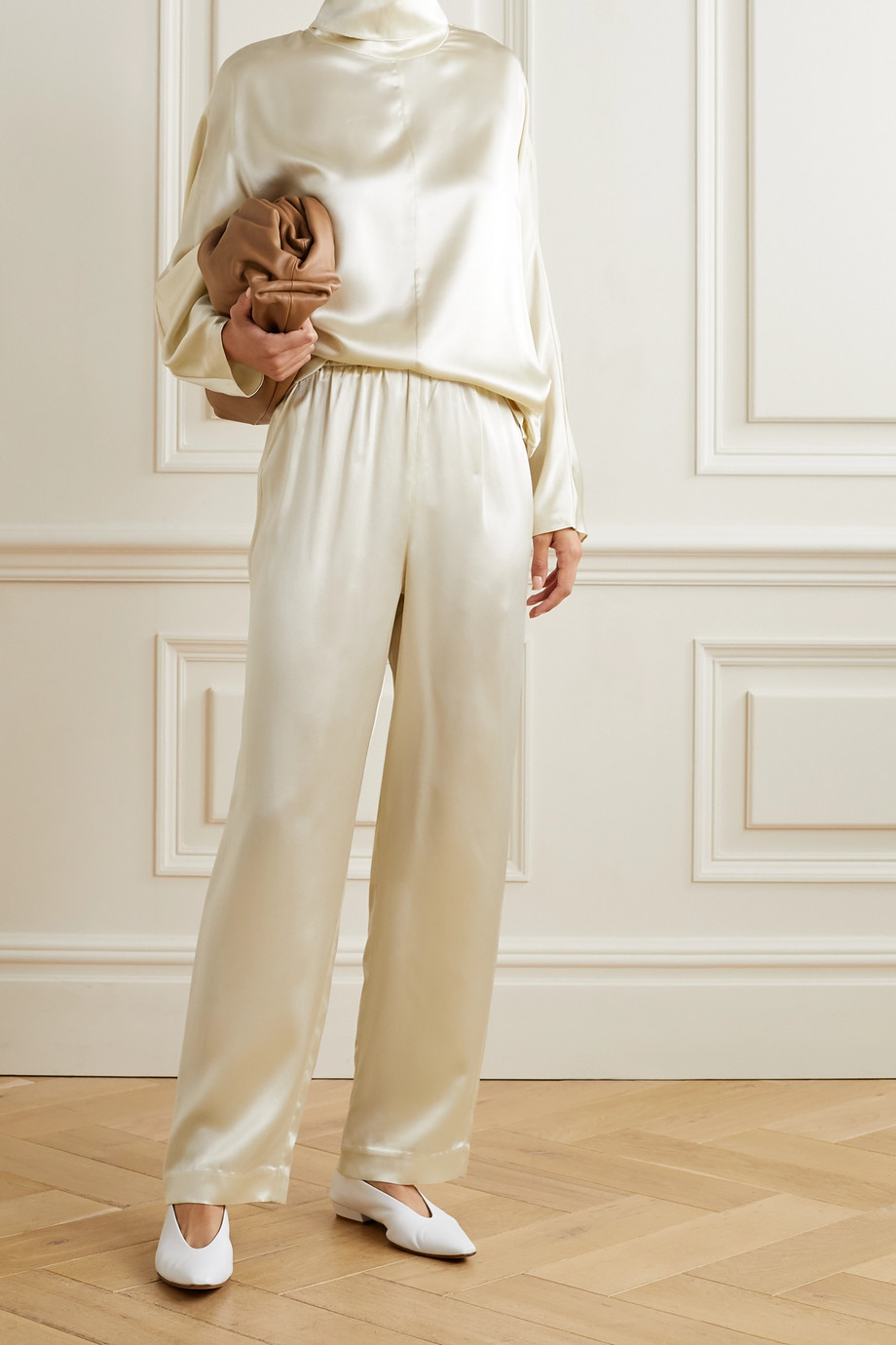 Co Pantalon droit en satin de soie