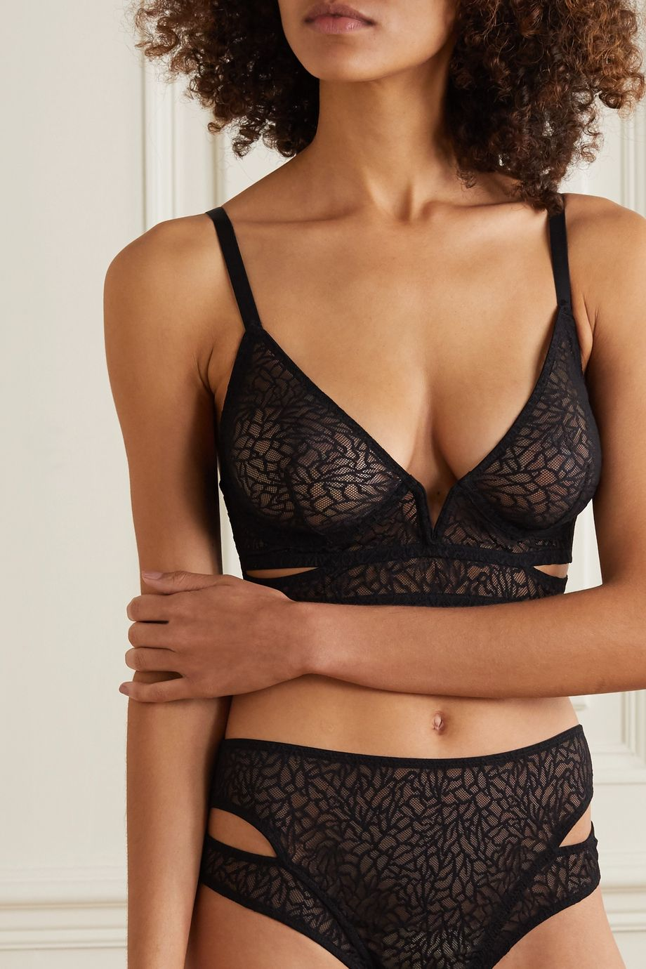 ELSE Zoe Triangel-BH aus Stretch-Mesh mit Cut-outs