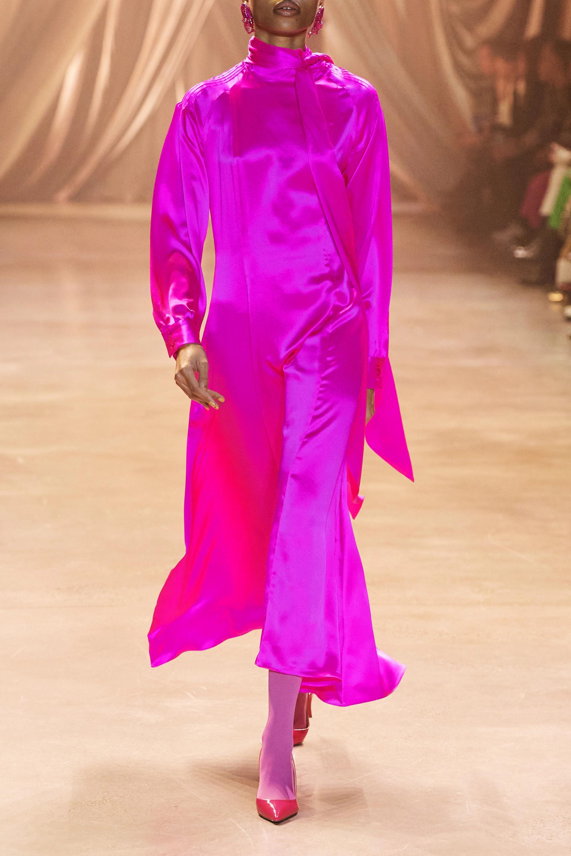 Christopher John Rogers Kleid aus neonfarbener Seiden-Charmeuse mit Biesen zum Binden