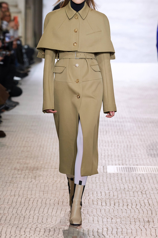 Nina Ricci Wandelbarer Trenchcoat aus Gabardine aus einer Baumwoll-Seidenmischung