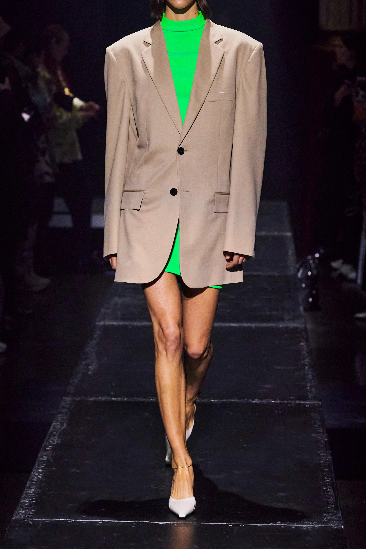Kwaidan Editions Minikleid aus neongrünem Stretch-Strick