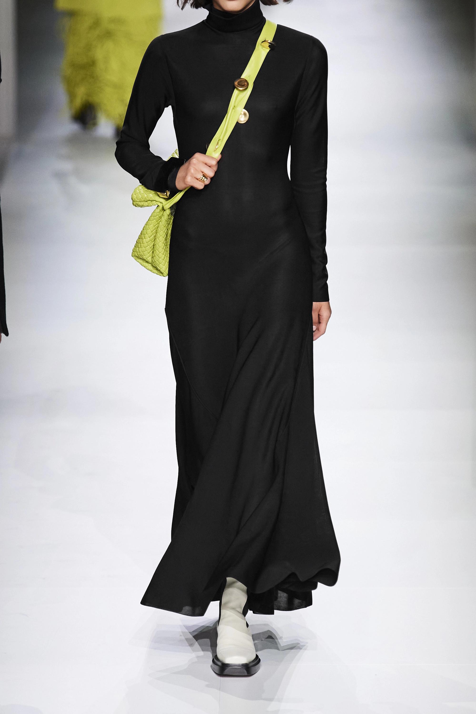 Bottega Veneta Maxikleid aus Stretch-Jersey mit Stehkragen