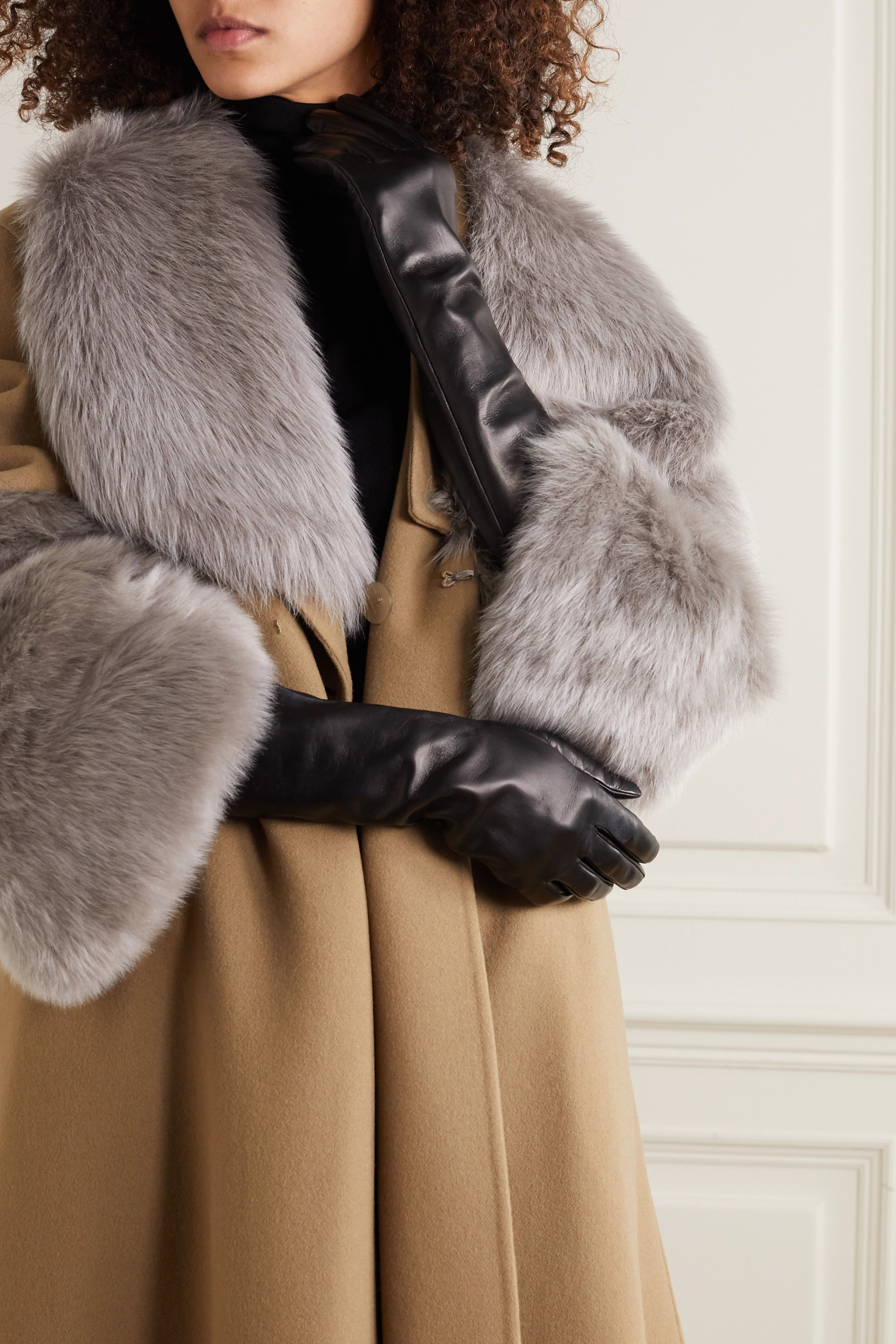 Valentino Valentino Garavani embellished leather gloves